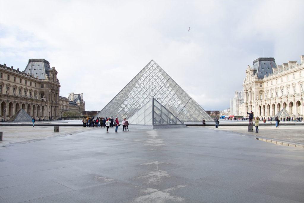 Dieses Bild hat ein leeres Alt-Attribut. Der Dateiname ist Paris-Roadtrip-Kozanostra_1-1024x683.jpg