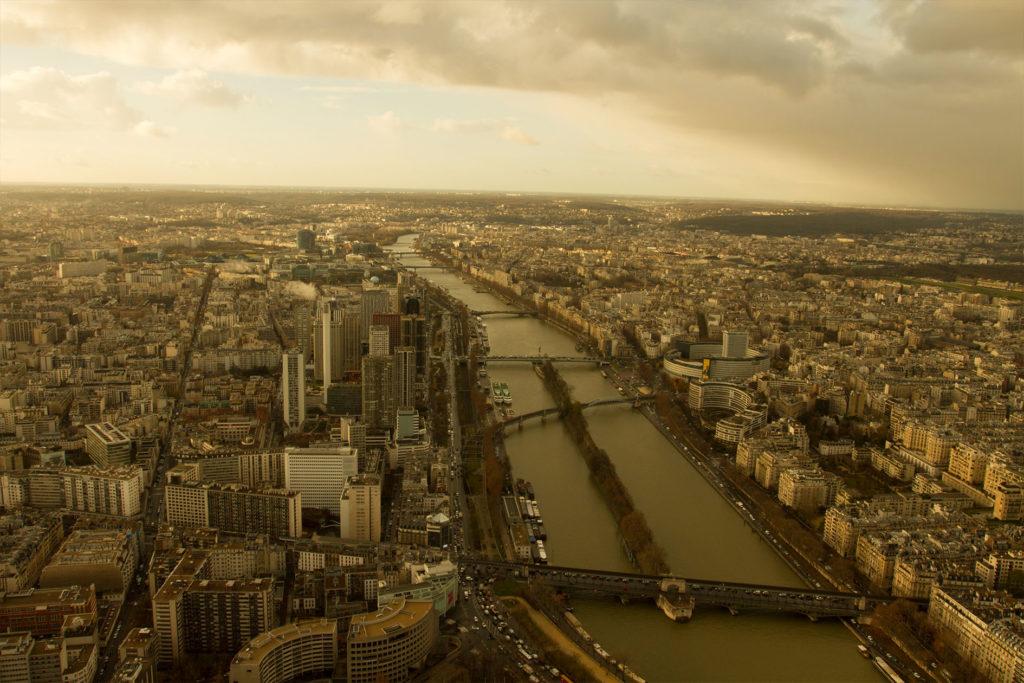 Dieses Bild hat ein leeres Alt-Attribut. Der Dateiname ist Paris-Roadtrip-Kozanostra_4-1024x683.jpg